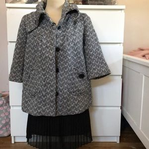 Short sleeve outerwear coat